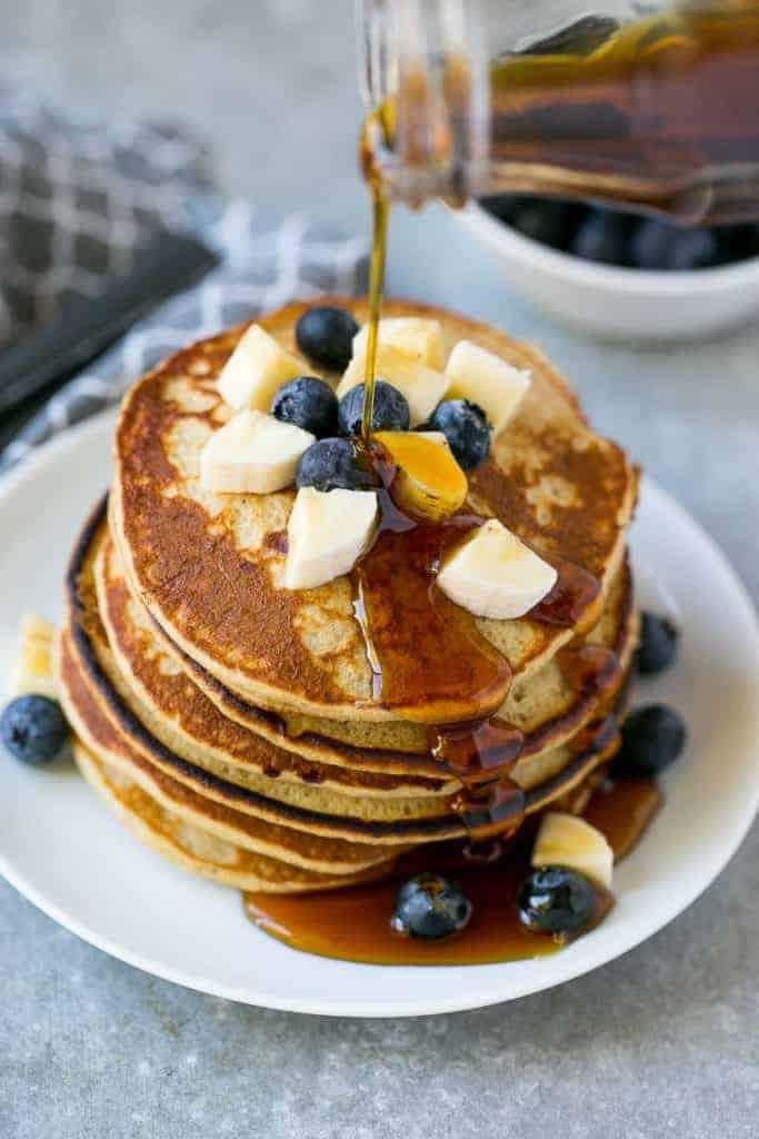 healthy blueberry banana pancakes