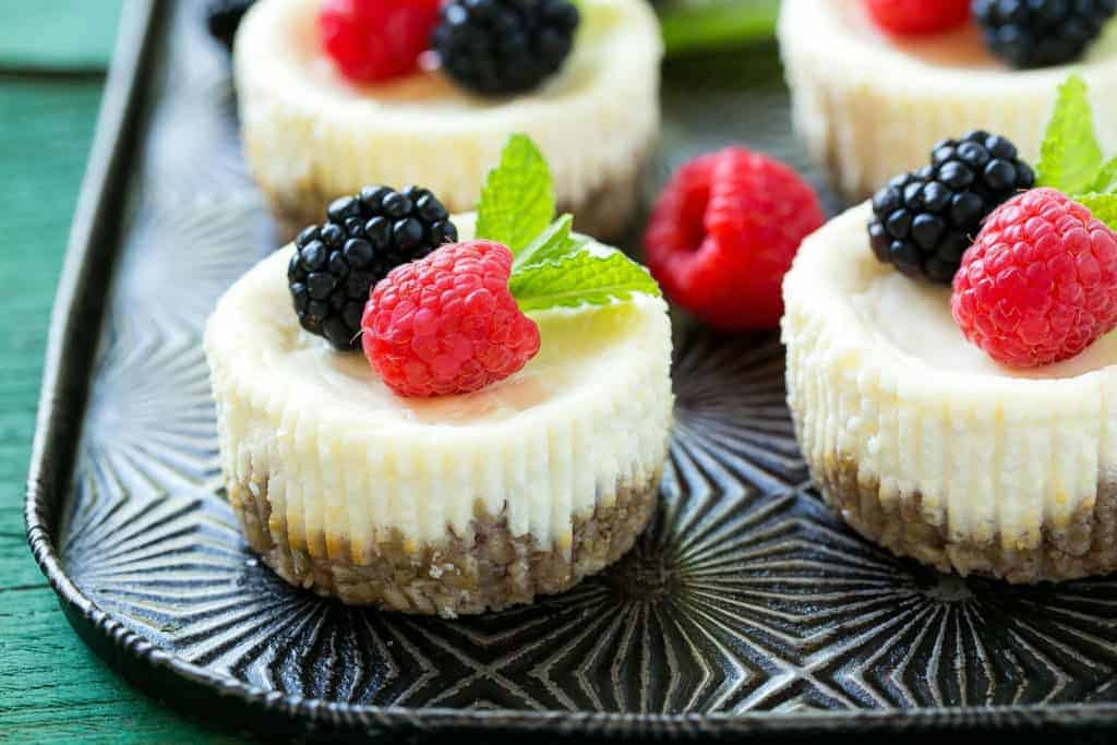Greek Yogurt Skinny Cheesecakes