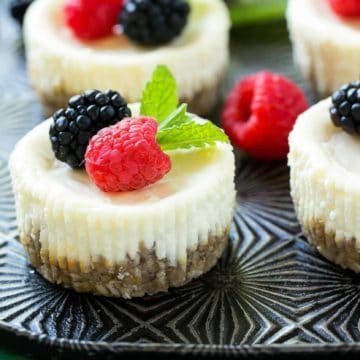 Greek Yogurt Skinny Cheesecake