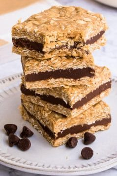 No Bake Chocolate Filled Oat Bars