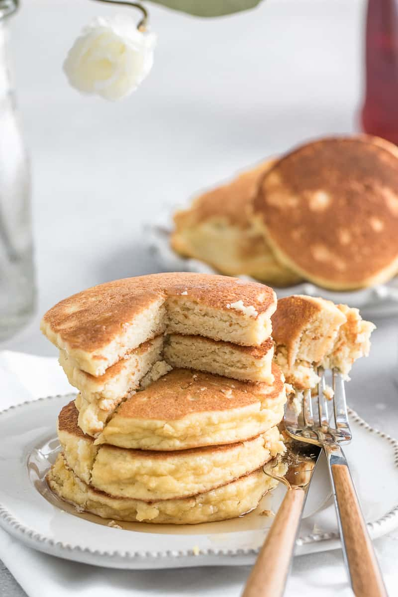 Fluffy Keto Pancakes with almond and coconut flour