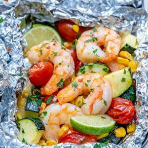 Citrusy garlic butter shrimp packets