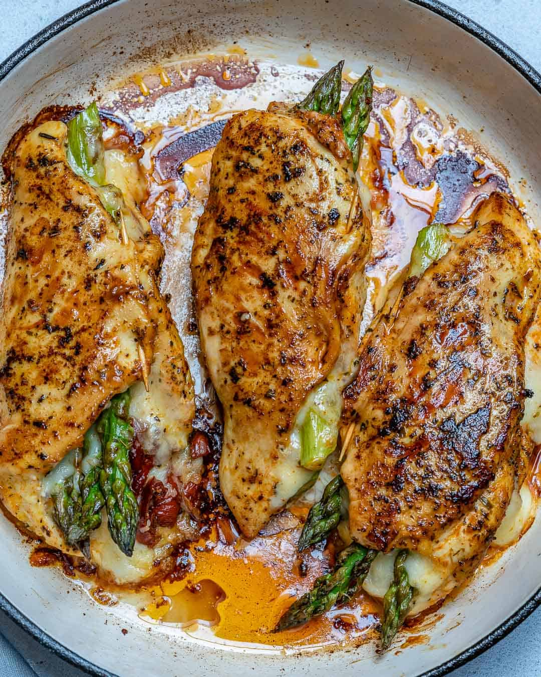 stuffed chicken with asparagus and sun-dried tomatoes
