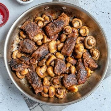 Steak chunks with mushrooms