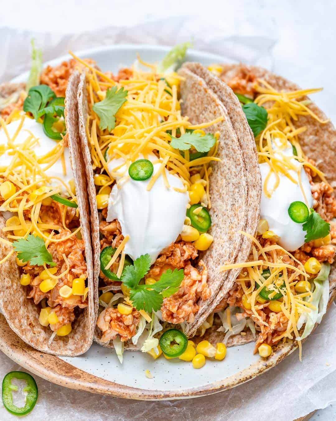 healthy and easy chicken taco with buffalo sauce