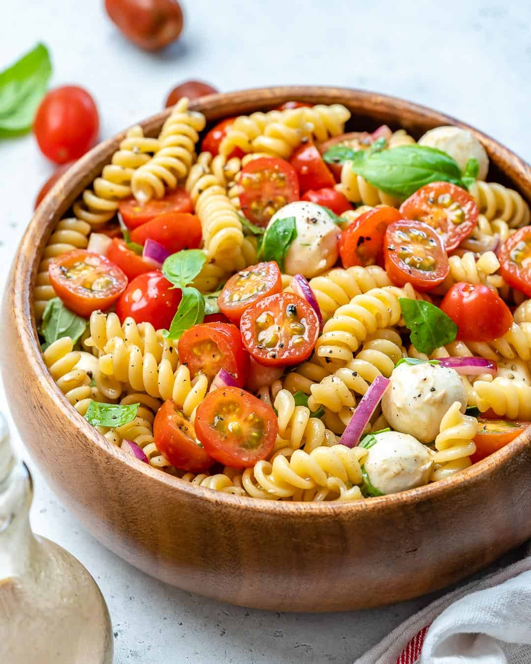 vegetarian pasta salad recipe with cheese and tomatoes