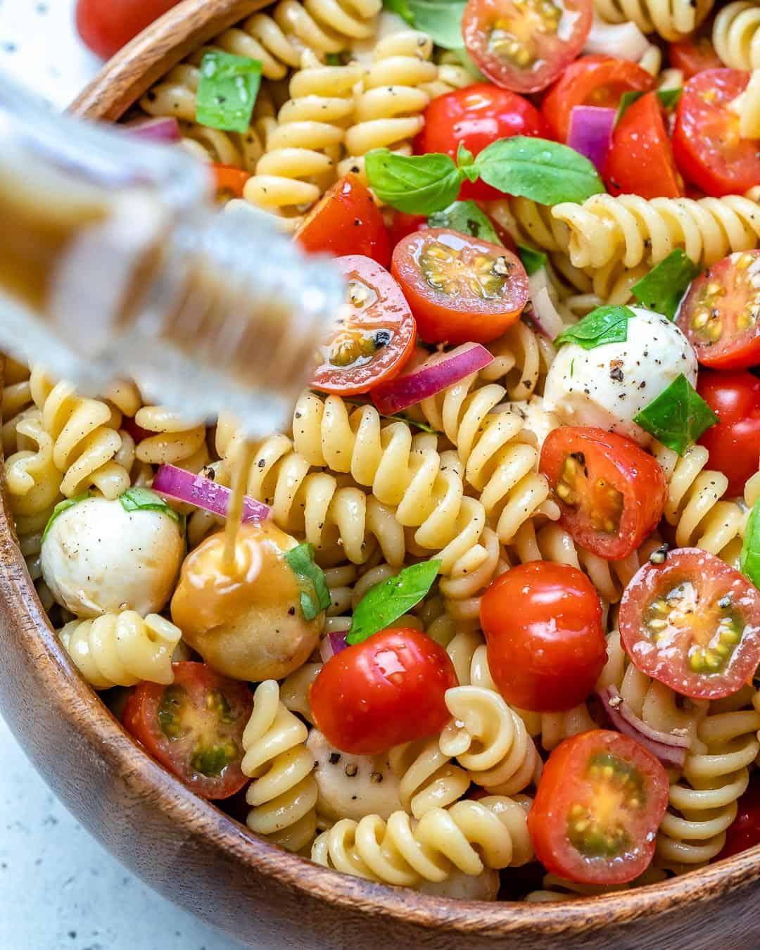 healthy Caprese pasta salad