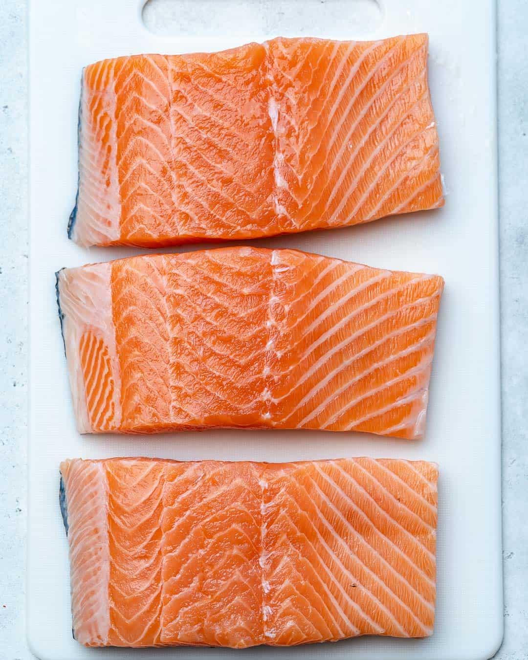 raw salmon for salmon florentine