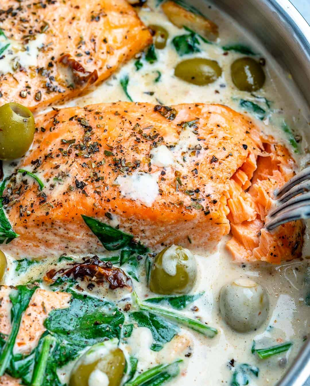 forn in cooked salmon in pan
