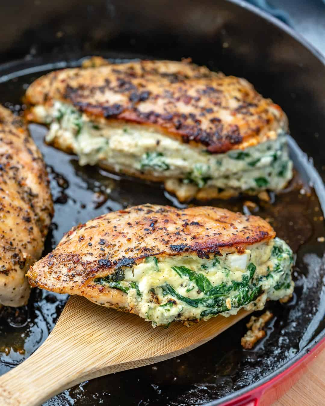 healthy stuffed chicken recipe with spinach and cheese