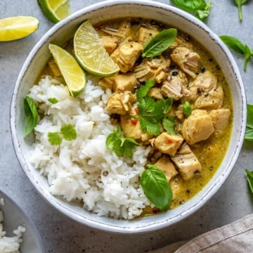 Bowl of Instant Pot Chicken Curry with rice