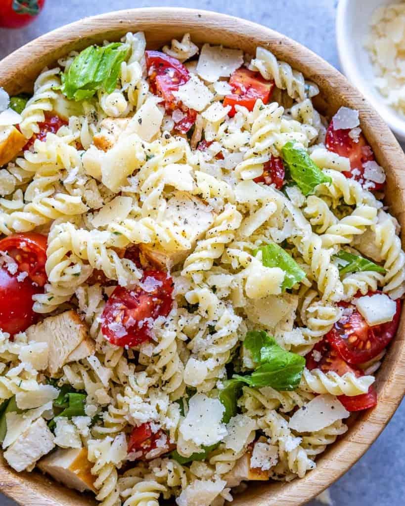 close up chicken pasta salad