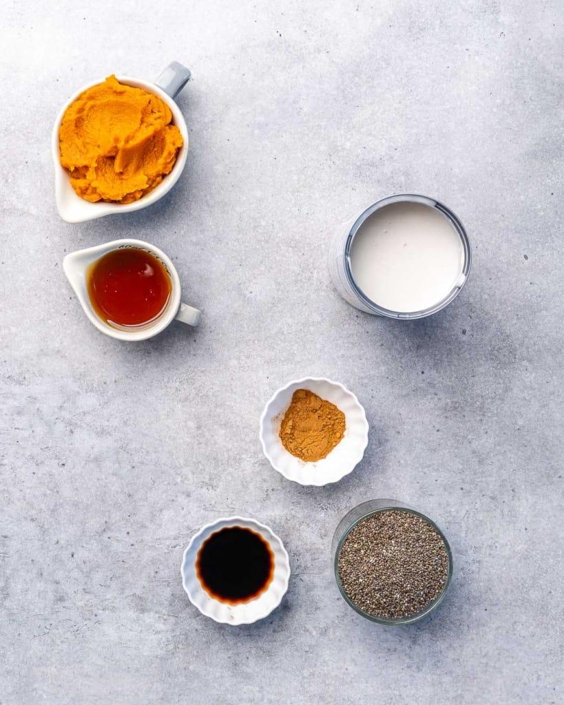 ingredients to make pumpkin chia pudding