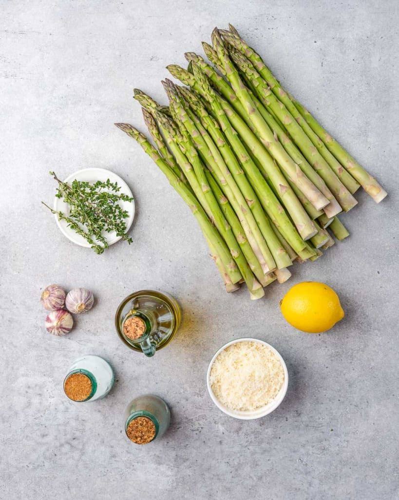 ingredients to make the baked asparagus