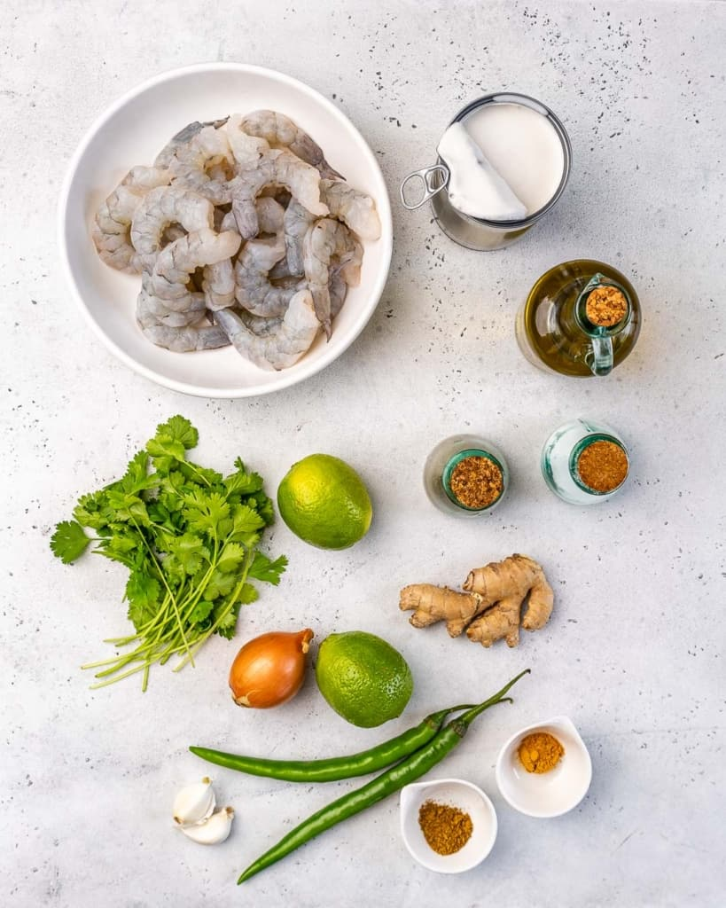 ingredients to make the shrimp green curry