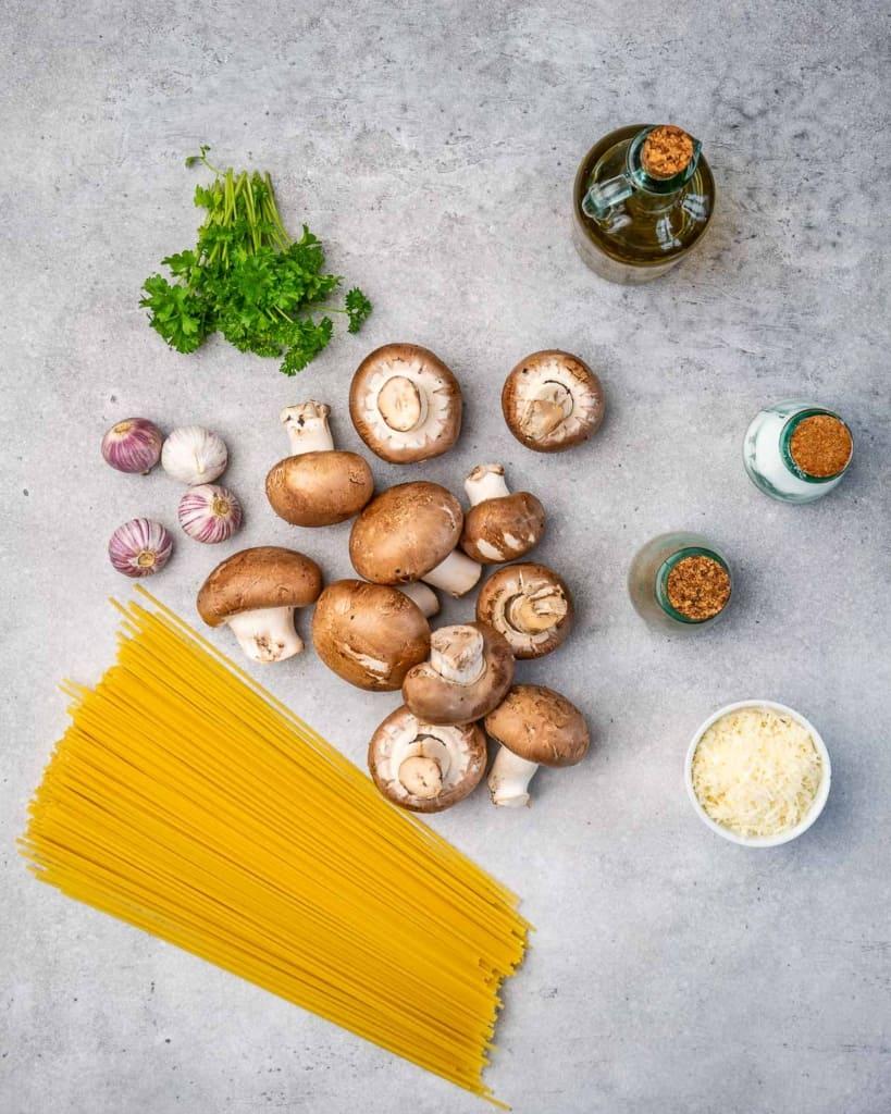 ingredients to make the mushroom sgaghetti
