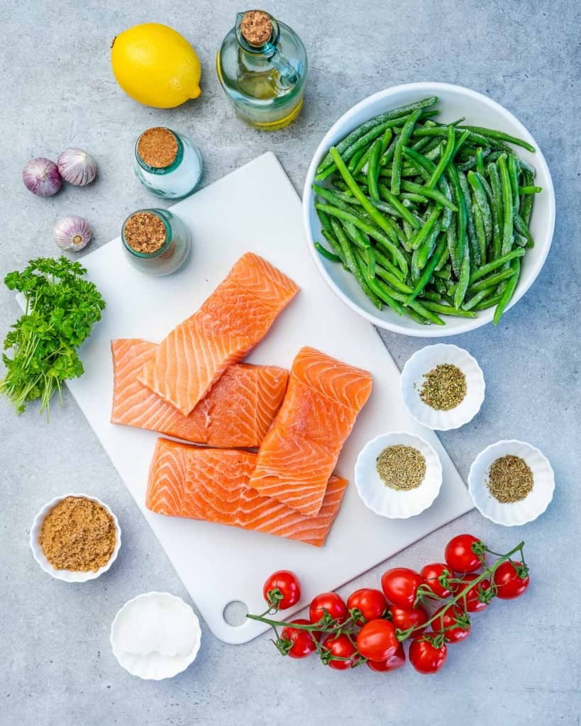 Ingredients for garlic butter salmon meal prep recicpe
