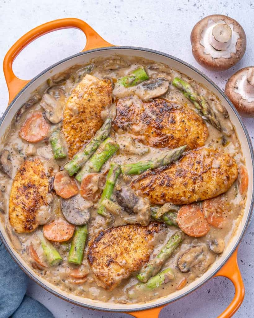 Top view of chicken fricasse in pan