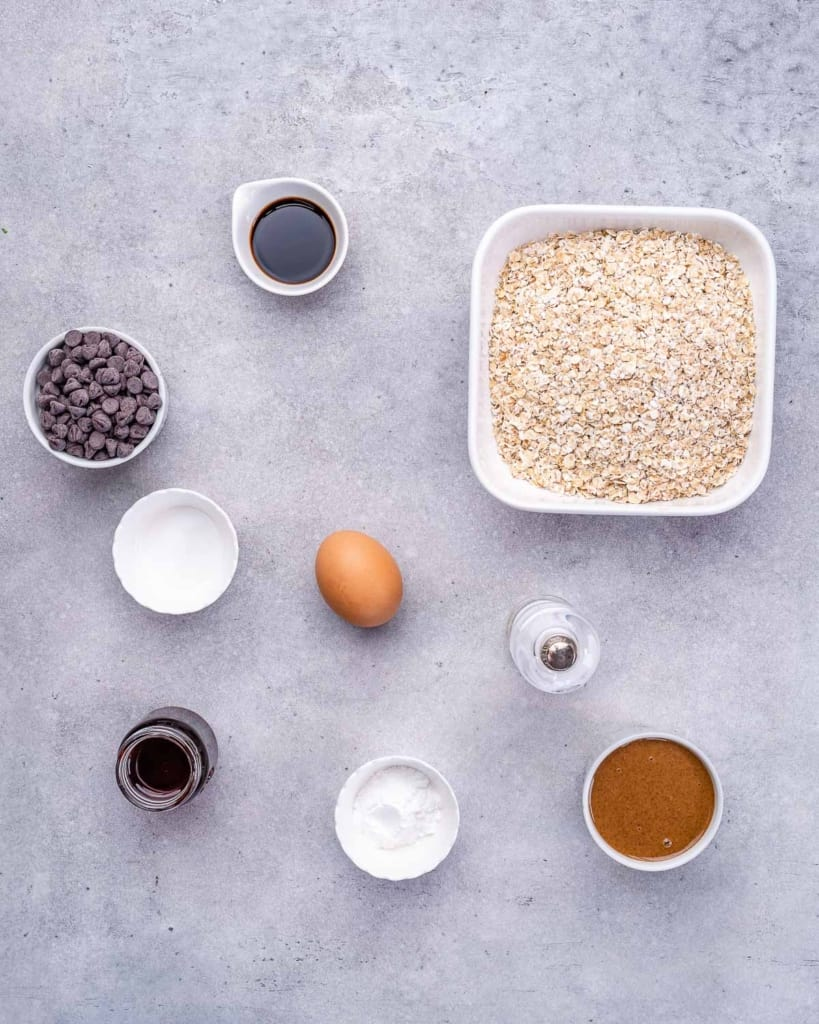 ingredients to make the oatmeal cookies