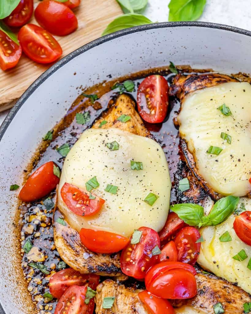 Chicken and mozzarella with tomatoes