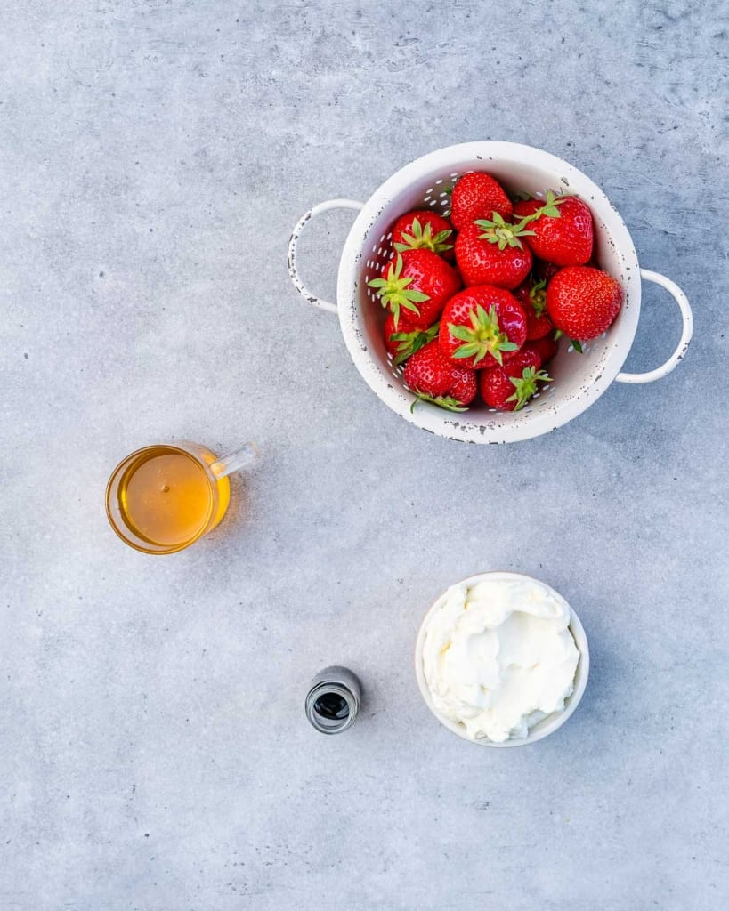 ingredients to make cheesecake stuffed strawberries