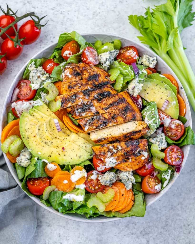 top view buffalo salad with grilled chicken