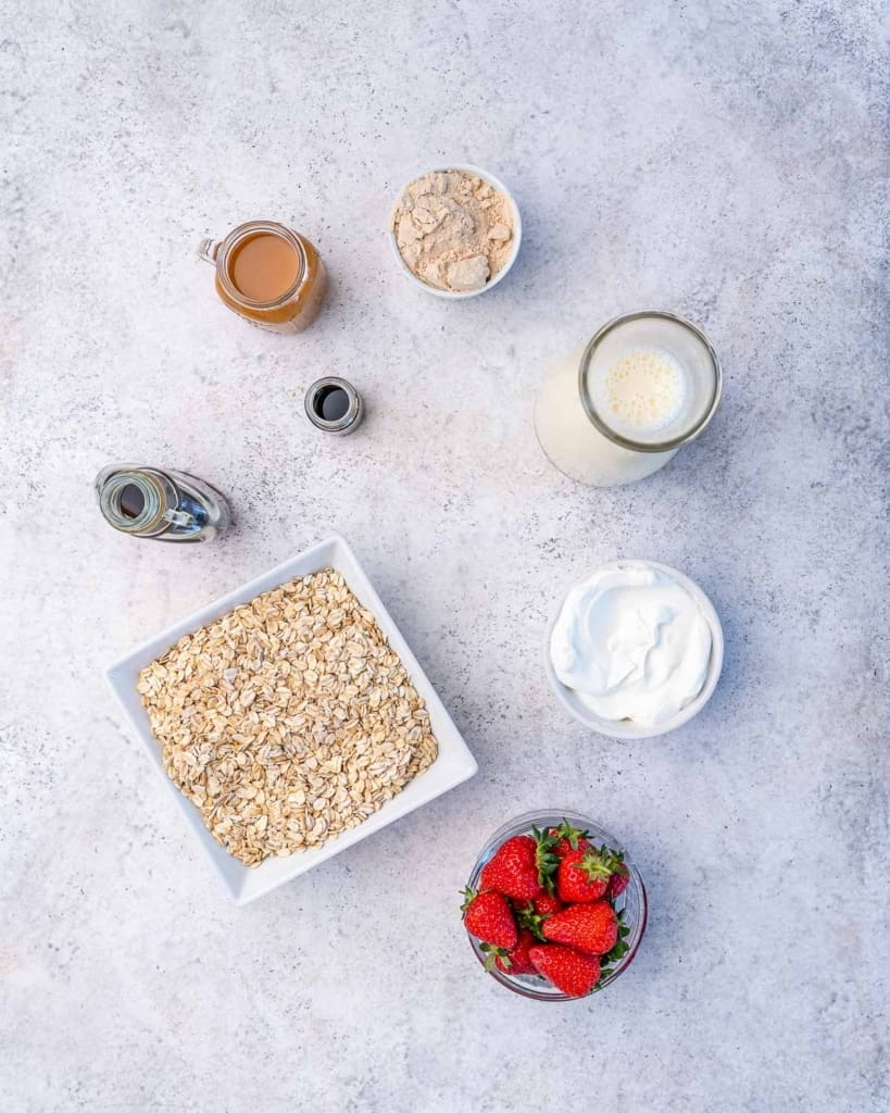 ingredients to make overnight oats
