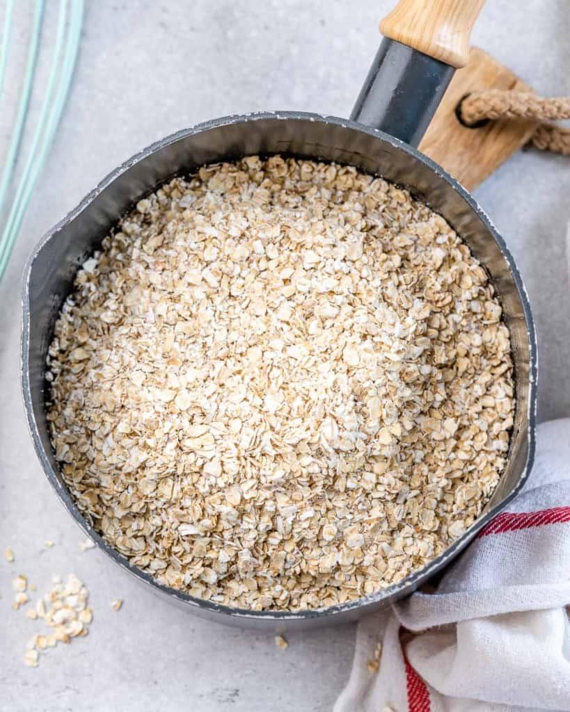 oats in saucepan